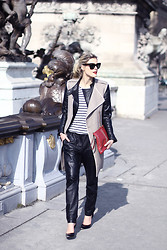 Sofie V. - H&M Pants, Uterque, Filippa K, Céline Sunglasses - Oversized leather pants and stripes