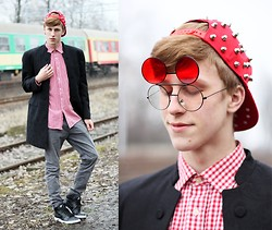 Adrian Kamiński - Choies Stud Visor Cap, Giantvintage Glasses, Second Hand Coat, Nike Shoes - Stud Visor Cap & Red Glasses