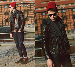 Adam G. - Heavy Duty Shoes, Pull & Bear Jeans, Asos Jacket, Asos Snood, New Look Sunglasses, Iloko.Pl Beanie - Gravediggress...