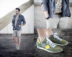 Steve Bale - H&M Short, Unconditional Jacket, H&M Belt - FLOWERS