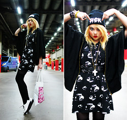 "Paula Ilona Viktoria - Gossengold ""Sick"" Beanie, Seppälä Cross Necklace, 2nd Hand Belt, 2nd Hand Hooded Cape, Ctrl Face Print Dress, H&M Over Knee Socks, Random Store In Milan Creepers, Gossengold ""Fuck You Hipsters"" Tote Bag - SICK FACES."