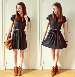 Laura A-B - Topshop Dress, Zara Bag, Jeffrey Campbell Shoes - Little Green Dress