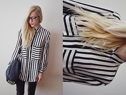 Aneta M - Shirt, Bag - B&W