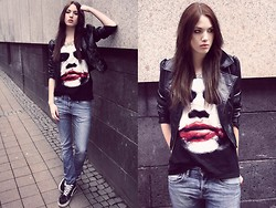 Jane Dean - London Tshirt, Weekday Boyfriend Jeans, Vans Skatershoes, H&M Jacket - Why so serious?