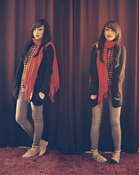 Andrea Ladstätter - Zara Red Tartan Print, Topshop Navy Knitwear Cardigan, Topshop Leigh Light Denim, Forever 21 Beige Oxfords - Red on my shoulder