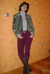 Vassy M. - Bianca Corduroy Blazer, Turtleneck, Esprit Vintage Belt, Second Hand Corduroy Pants, Italian Boots - Autumn leaves in spring