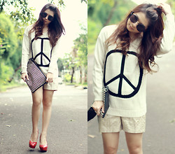 Anastasia Siantar - Peace Jumper, Polkadot Shorts, Fivebyfive Red Pumps, Round Shades - Make peace