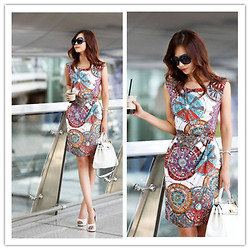 Ice Chang - Ingseven Colorful Printed Dress, Sz Sunglasses -   Real aloneness is not one's loneliness