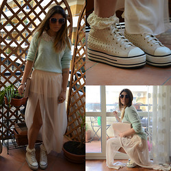Chiara Monteleone - H&M Neck, H&M Sweater, Primark Skirt, Urban Outfitters Studded Platform, H&M Cluth - Pastel...
