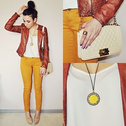 Pam S - Necklace - Mustard pants