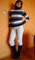 Vassy M. - Turtleneck Sweater, Second Hand Corduroy Pants, Boots - False spring