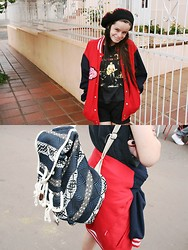 Camila Mancio - Brecho Old Bag, Brazilian Rock Legião Urbana, Red Jacket, Jamaica Hat - Smile more, It could makes you amazing!