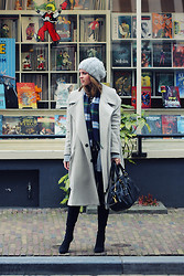Christine R. - Topshop Oversized Coat, Marc By Jacobs Bag - Comics