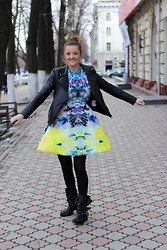 Ana Ciorici - H&M Dress, Kurt Geiger Boots - Miss Sunshine