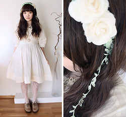 Meisu ☆ - H&M Cream Dress, Homemade Leaf And Rose Headband - With wines in my hair