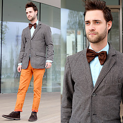 Kris M - Vintage Bow Tie, Rue 21 Orange Pants, Coach Brown Shoes, Ralph Lauren Plaid Socks, H&M Blazer, Express Blue Shirt - Formal Fridays
