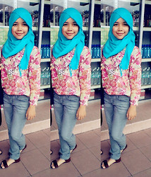 Lulu Cheers - H&M Pashmina, Flowery, Mango Jeans - Nothing