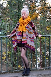 Carly Beljajew - Vagabond Wedges, Zara Scarf - Hello orange.