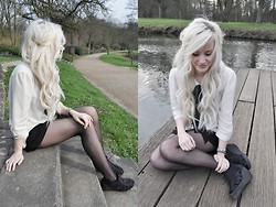 Carly Beljajew - Tights - Hello nice weather.