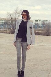 Aigyz Rebelle - Ray Ban Spektre Sunglasses, Sela Shirt, Louis Vuitton Striped, Davida Blazers - Dark out