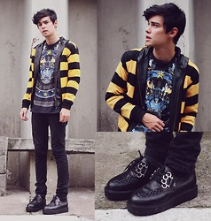 Vini Uehara - Choies Vintage Print Blue T Shirt, Vilela Shoes Creeper, Viparo Viapro Jacket - I'm a lonely boy,  i got a love that keeps me waiting