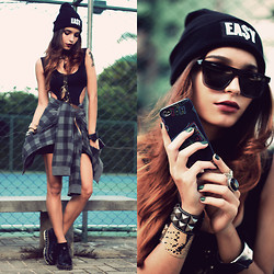 Alana Ruas - Easy Money Clothing Beanie, Paccnoy Iphone Case, Sheinside Dress, Oasap Creppers, Simon&Me Sunglasses - EA$Y