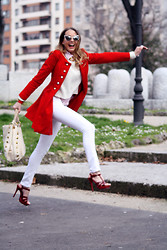 "Virginia Varinelli Paris - Persun Coat - Feels like a modern ""Little Red Riding Hood"""