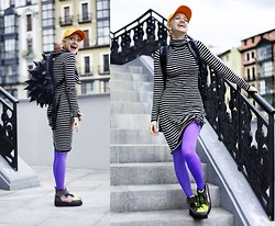 AMINTA ONLINE - Ebay Backpack, Asos Boots, Diy Cap, Love Tights - Bling bling