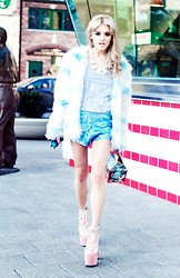 Rachel Lynch - Ann Taylor Turquoise Jewel Necklace, Nasty Gal Cotton Candy Coat, High Heels Suicide Skeleton Tank, Nasty Gal Blue Sequin Shorts, Unif Mermaid Hellbounds - COTTON CANDY BLONDE