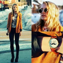 Petra Karlsson - Top, Shoes, Glasses, Watch, Jacket - Bonjour