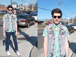 Matticus Nightshade - Hot Topic Acid Wash Grey Vest, Topman Tropical Breeze Button Down, Thaanks Vintage Costume Chain, Ray Ban Classic Wayfarer, White Loafers, Homemade Flair - East Wolfe Street
