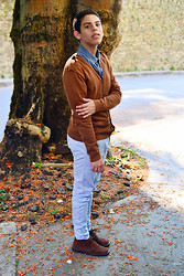 Andrés Barreto - Pull & Bear Denim Shirt, Suiteblanco Cardigan, Primark Chino Pants, Hugo Boss Desert Boots - Www.walk-a-million-miles.com