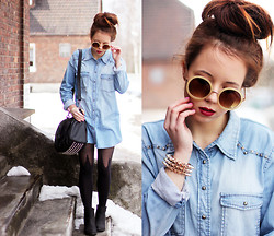Wioletta Mary Kate - Second Hand Shirt, Sunglasses, Tights - Denim Shirt