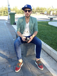 Dario Fattore - Asos New Era Cap, Marc By Jacobs Marcjacobs Sunglasses, Zara Torquoise Blazer, Prada Tailormade Brogues, Zara Skinny Jeans, Dolce & Gabbana Zara Basic Tee, Fendi Vintage Key Necklace - When day starts with the sun