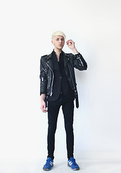 Joachim Kullberg - Vintage Leather Jacket, H&M Blazer, By Me Pants - Black leather, blue shoes