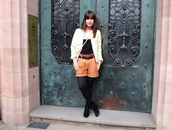 Vanessa P. - Vila Leather Shorts, Maje Silk Shirt, H&M Jacket, Zara Wedges - The Bomber Jacket