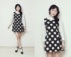 Lan Choi - Artfit Dreea Contrast Floral Print Dress, Artfit Lantam Lace Embellished Shirt, Artfit Effner Maryjane Strap Pumps Heel - Lovely Mods Look : Black and White floral dress