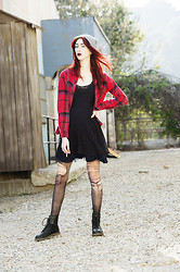 Alexa Puzderová - Free People Dress, Urban Outfitters Flannel, American Apparel Beanie, Arizona Jeans Company Black Boots - Ice Cream Pheonix