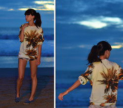 Lucy De B. - Breaking Rocks Palm Print Sweater - Palm trees and sunsets