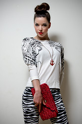 Daisy O - H&M Zebra Print Jeans, Asos Clutch, Zara Shoulder Detail Top, Anchor Necklace - PRIMAL PRINTS