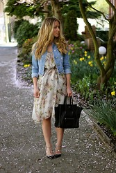 Cara McLeay - Céline Bag, Valentino Heels - In Bloom