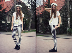 Emma Istvanffy - Szputnyik Shop T Shirt, H&M Pants, Vagabond Creepers, Diy Flower Crown - Spring Wind