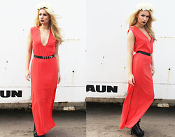 Danielle R - Blunt Deep V Split Maxi Orange, Secret Statement Cream Floral Crown, Daisy Street Spike Boots, Urban Outfitters Cross Belt - How Deep Is Your Love?
