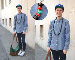 Davide Peretti - Volcom Hat, Pull & Bear Jeans Shirt, H&M Blue Jeans, Zara Leather Bag, Adidas Sneakers - Casquette