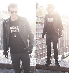Andreas Wijk - Acne Studios Leatherjacket, Ray Ban Sunglasses, Weekday Jeans - Stockholm sun.