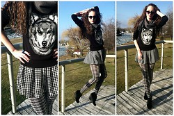 Pauline - Forever 21 Wolf Sweater, Forever 21 Houndstooth Skirt And Tights, Rampage Sunnies, Vinatge Scarf, Forever 21 Ring, White Mountain Wedges - Hound and Wolfstooth