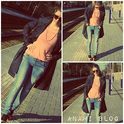 Anami Papay - Mango Trench, New Look Top, Bershka Jeans, Saltpepper Heels - SPRING AT THE STATION