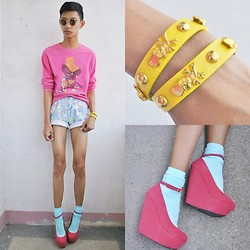 Jeroy Balmores - Asianvogue Shop Wedges, Kidflo Shorts, Girlshoppe Sunnies - Stylish Unicorn