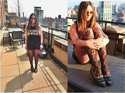 Jaclyn Seabrooke - Brandy Melville Usa You Can't Sit With Us, Michael Kors Lime Caicos, Bumper Flats, Michael Kors Black Bradshaw, Noise Girl Harley, Urban Outfitters Tights, Sparkle And Fade Leather Shorts - Kitty Purry