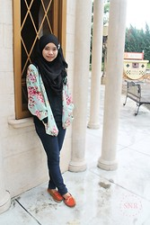 Nadiah Rostam - Pashmina, Floral Cardigan, Long Sleve Top, Jeans, Flat Shoes - I'm still young